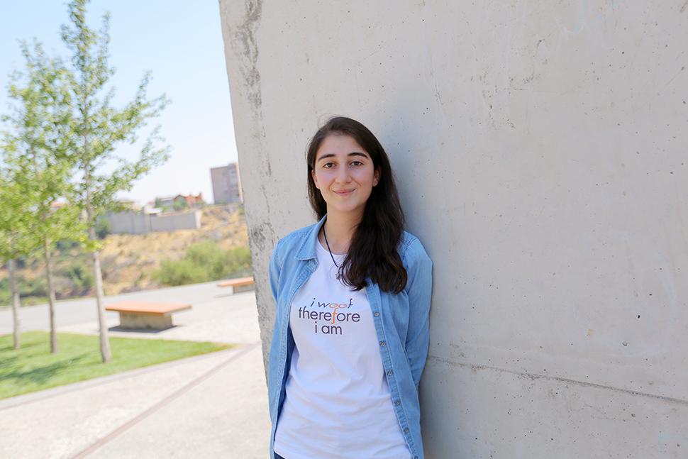 IMG 2612 - Չորս ուսանող, տասնյակ  աշխատարան Թումո Երևանում