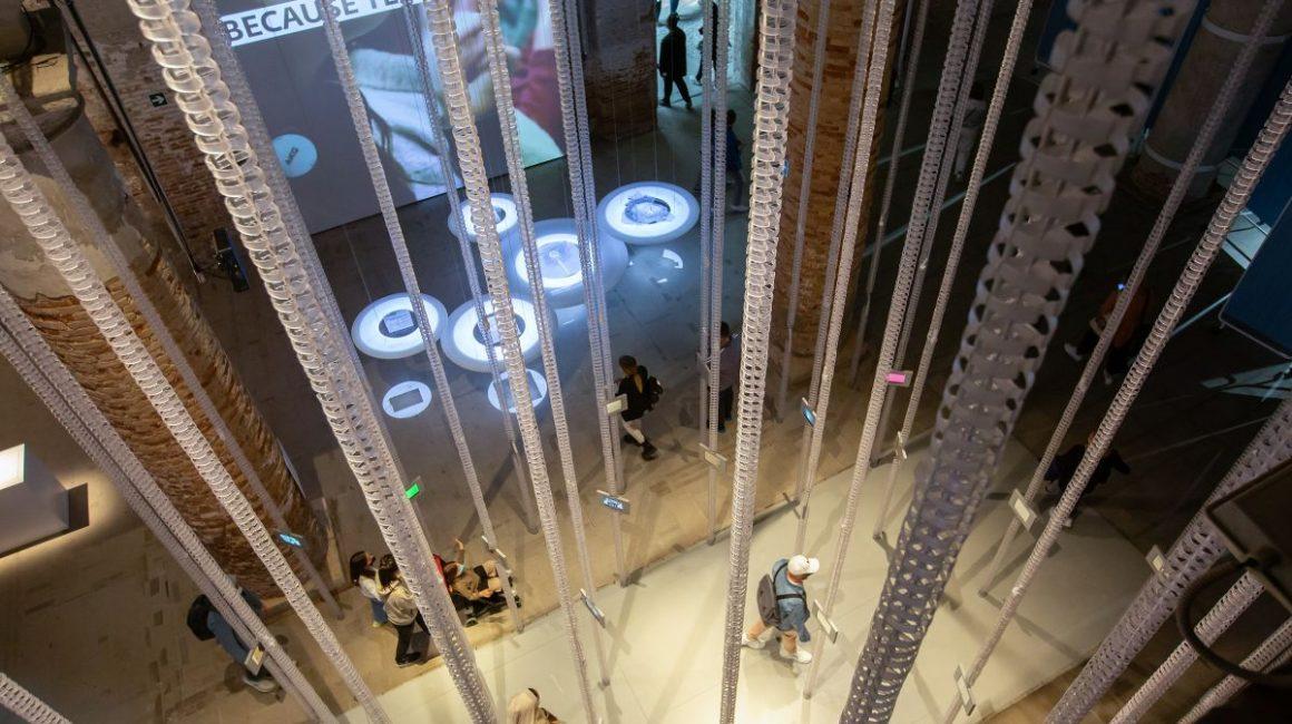 4b3d511f 16f9 2297 a8d3 71887676ac03 1160x650 - TUMO's Installation Presented at the Biennale Architettura 2021